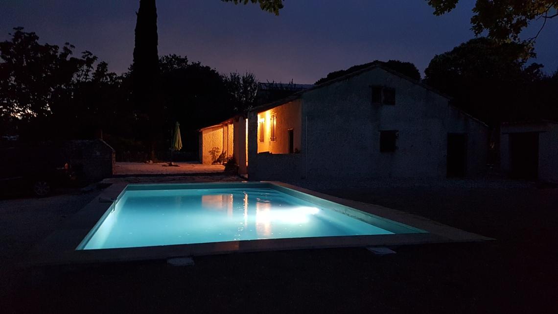 c piscine de nuit